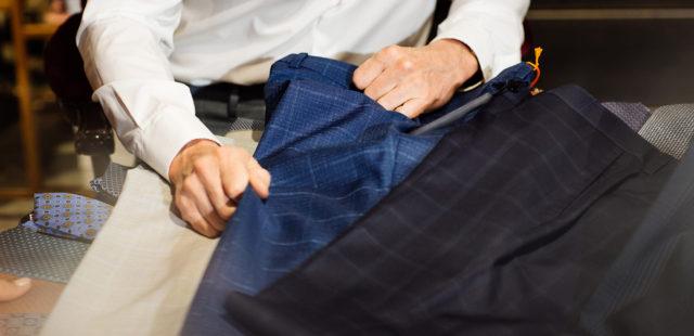Contruirea unei garderobe de bază a pantalonilor pentru bărbați